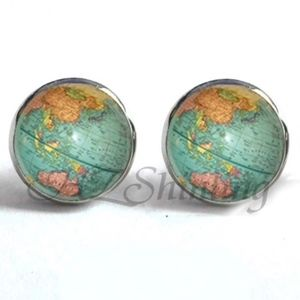 Jewelry - NEW Silver Vintage World Map Stud Earrings